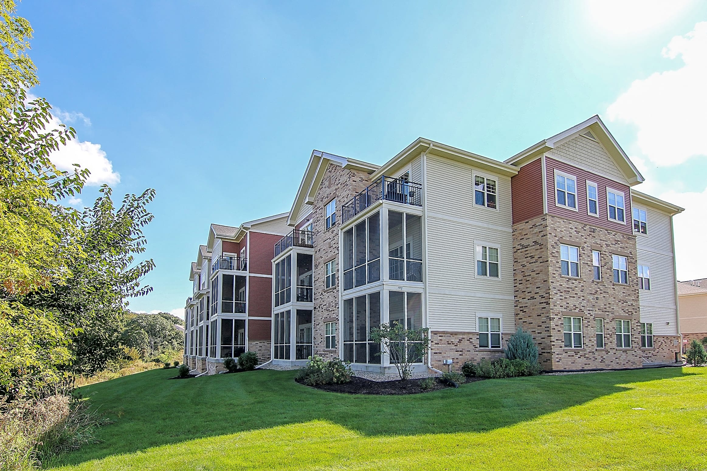 Apartments Near Herzing Stockbridge Trails for Herzing College Students in Madison, WI