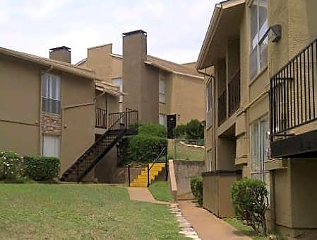 Apartments Near UT Tyler Broadstone for The University of Texas at Tyler Students in Tyler, TX