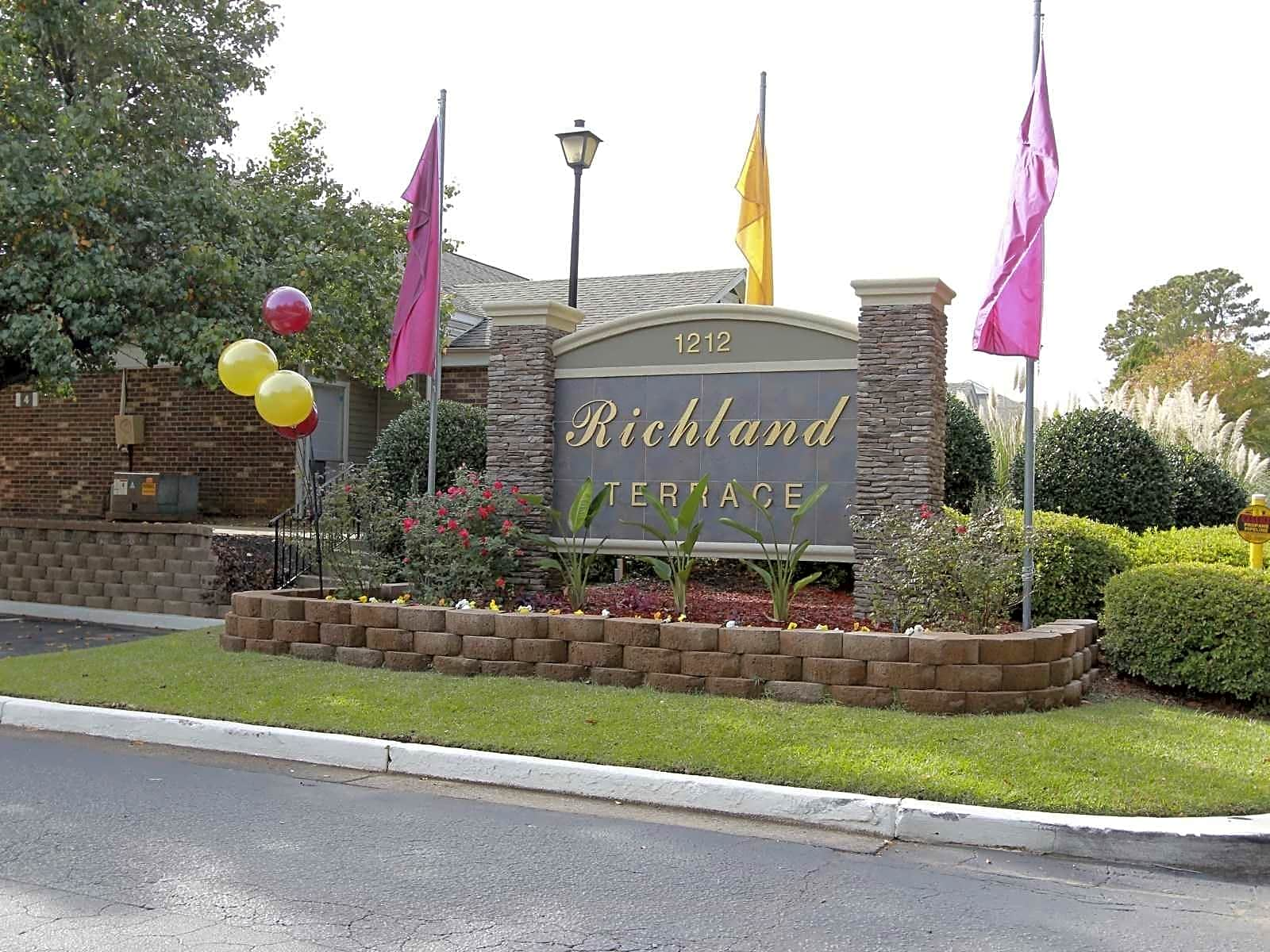 Apartments Near UofSC Richland Terrace for University of South Carolina Students in Columbia, SC