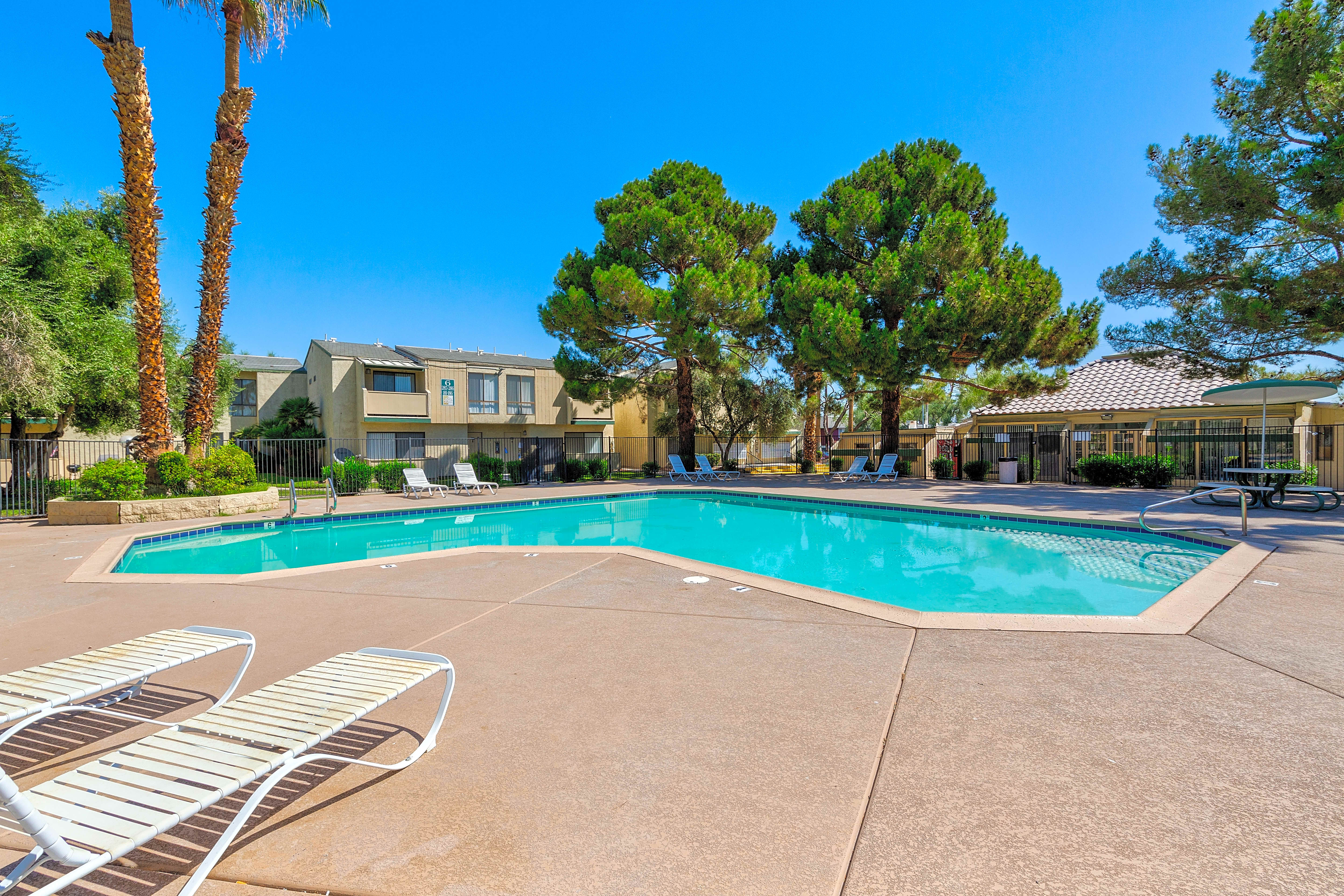 Apartments Near UNLV Tamarus Park At Heritage Square for University of Nevada-Las Vegas Students in Las Vegas, NV