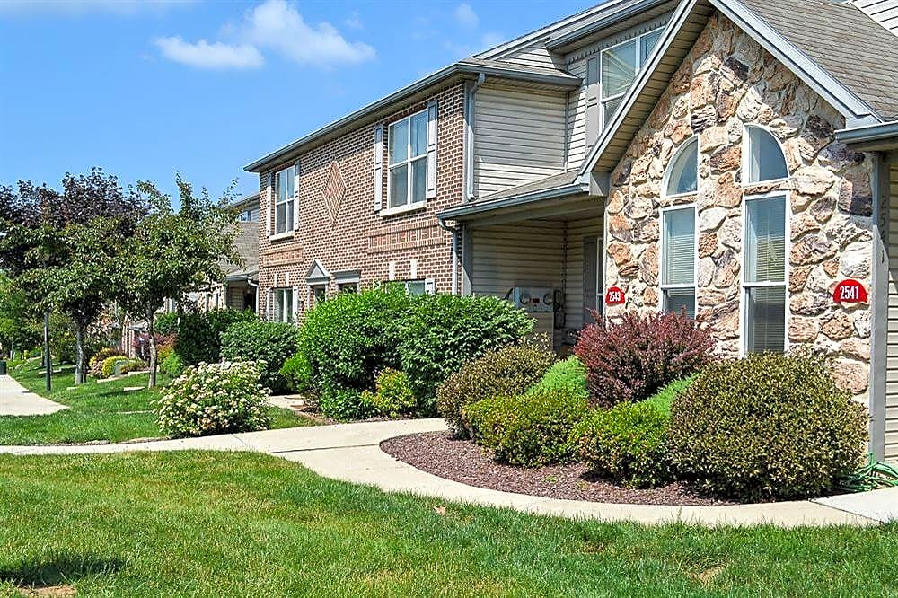 Apartments Near Central Penn La Collina Townhomes for Central Pennsylvania College Students in Summerdale, PA