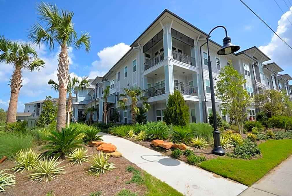 Apartments Near NWF State Venue Emerald Coast for Northwest Florida State College Students in Niceville, FL