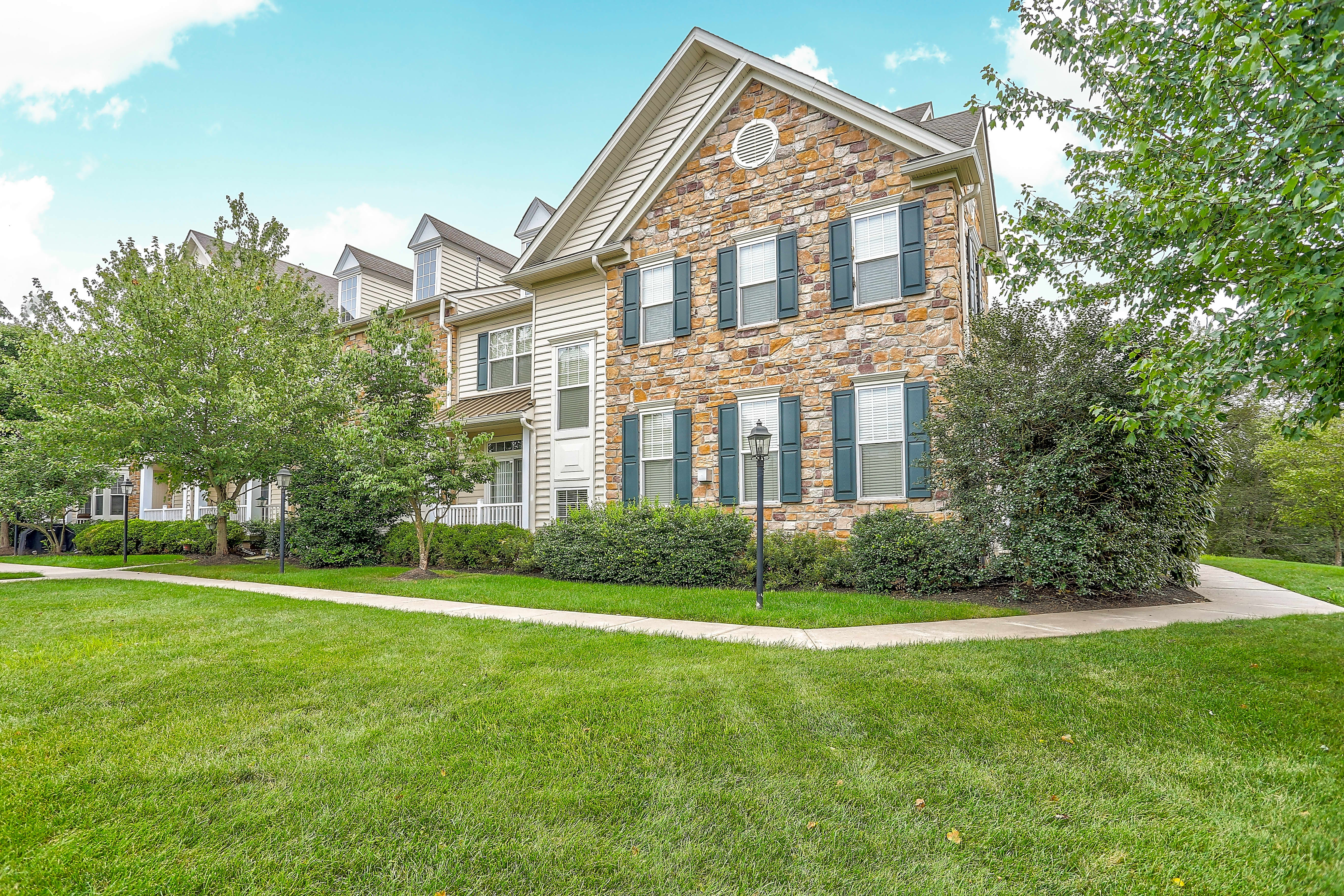Apartments Near DelVal Heritage Orchard Hill for Delaware Valley College Students in Doylestown, PA