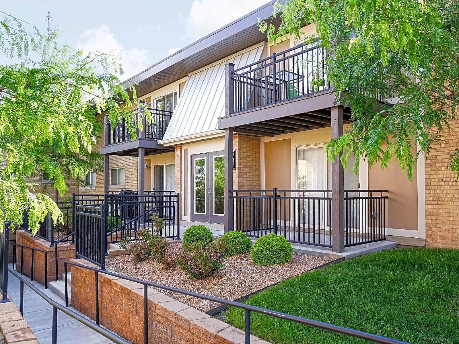 Apartments Near IUPUI Indiana Flats & Townhomes for Indiana University-Purdue University Students in Indianapolis, IN