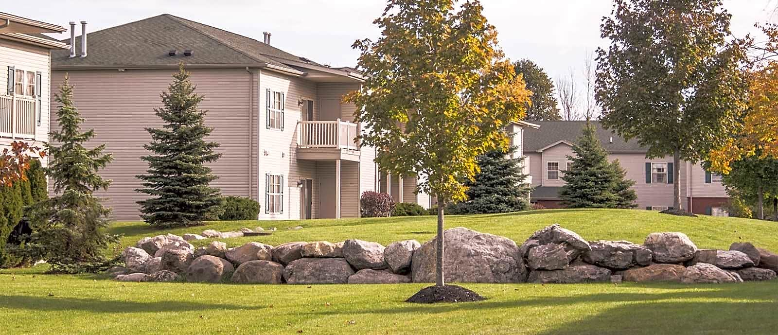 Apartments Near Hilbert Park Lane Luxury for Hilbert College Students in Hamburg, NY