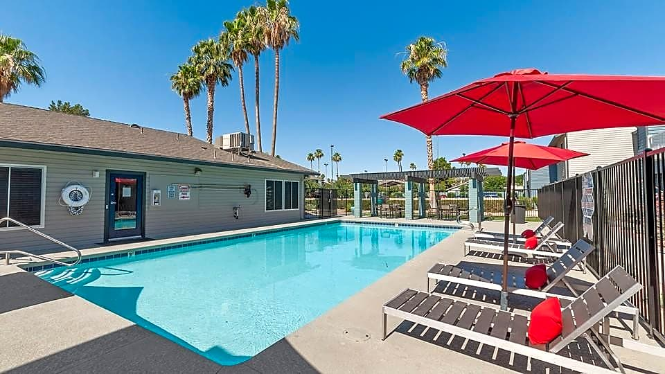 Apartments Near UNLV ReNew 2900 for University of Nevada-Las Vegas Students in Las Vegas, NV