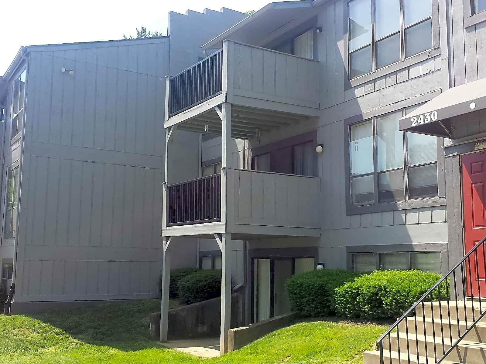 Apartments Near Bellarmine Eagles Eyrie Apartments for Bellarmine University Students in Louisville, KY