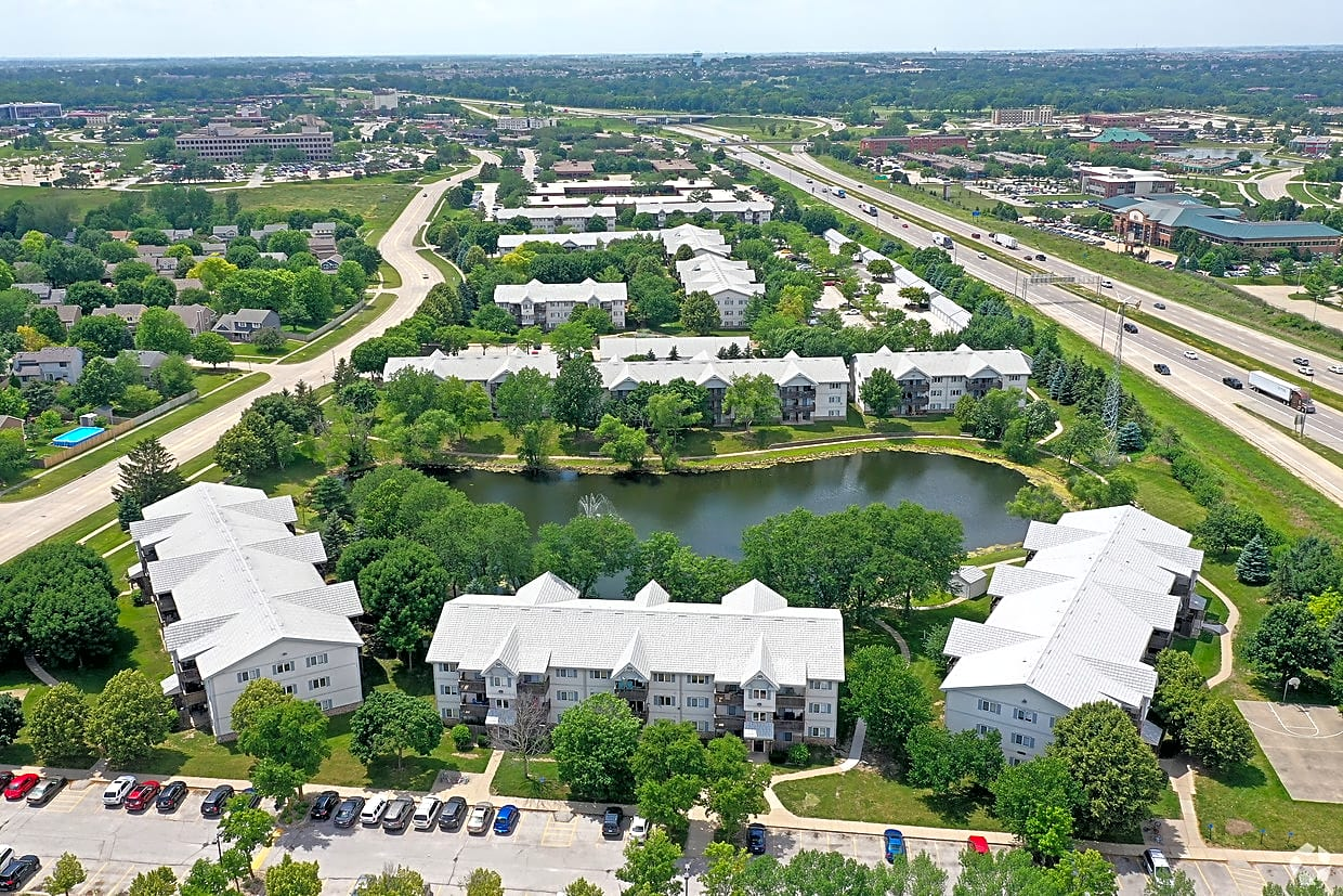 Apartments Near Aveda Institute-Des Moines Sun Prairie Apartments for Aveda Institute-Des Moines Students in West Des Moines, IA