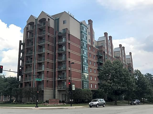Apartments Near Elmhurst Elmhurst Place for Elmhurst College Students in Elmhurst, IL