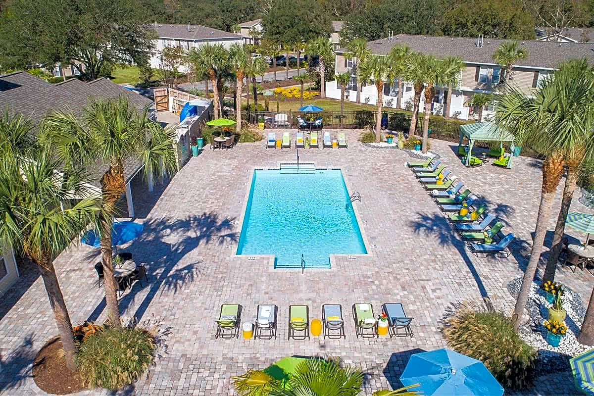 Take a dip in our sparkling swimming pool, complete with poolside loungers and cabana.