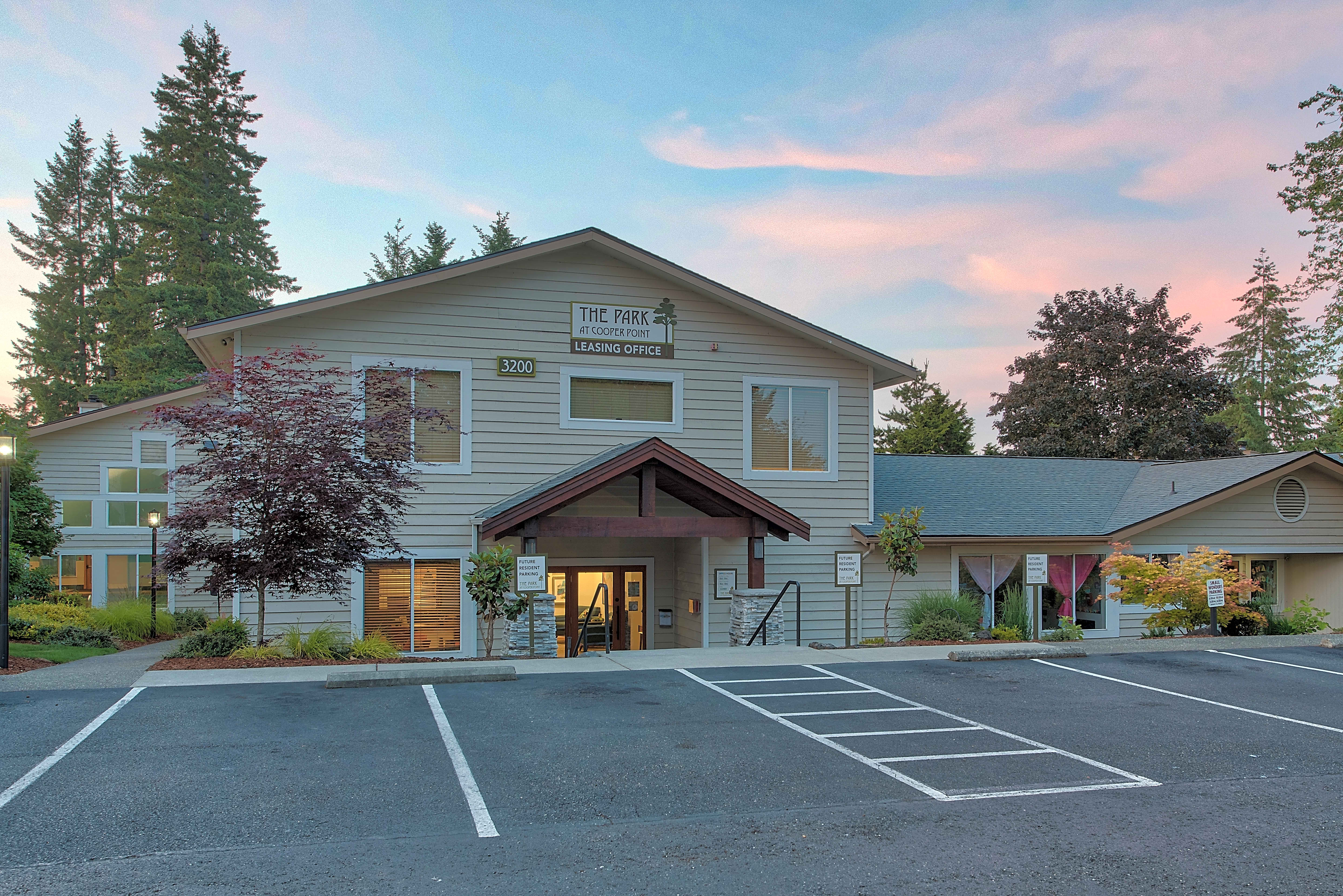 Apartments Near WCTC The Park at Cooper Point for Washington Community and Technical Colleges Students in Olympia, WA