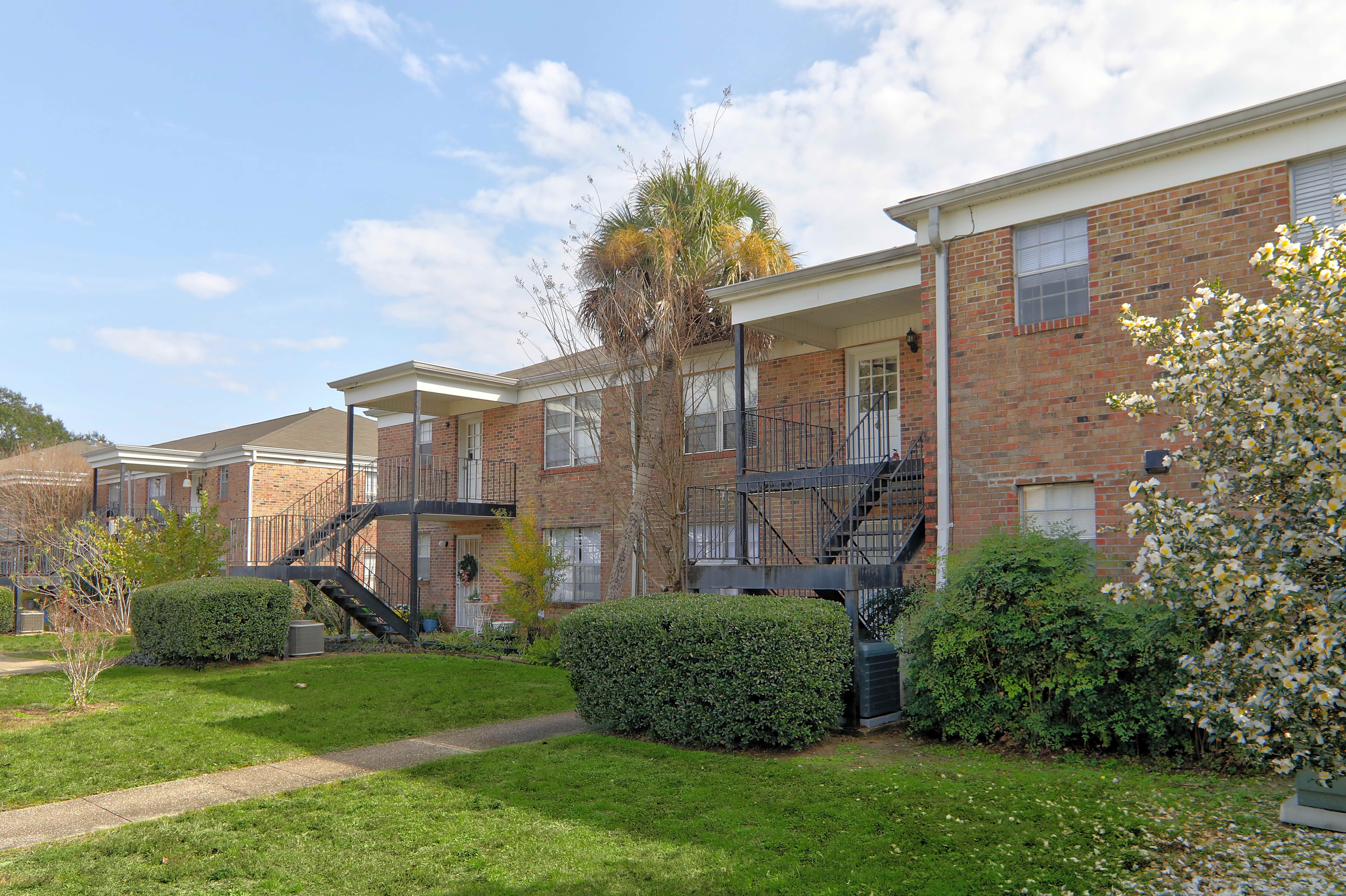 Apartments Near UWF Colony House for University of West Florida Students in Pensacola, FL