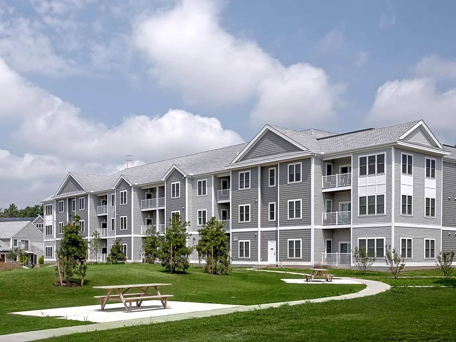 South Hills Village New Apartments