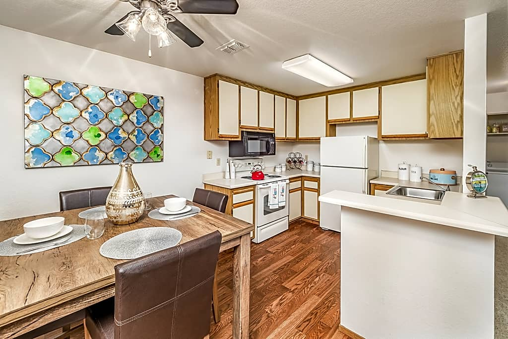 2BD/2BTH - Kitchen/Dining
