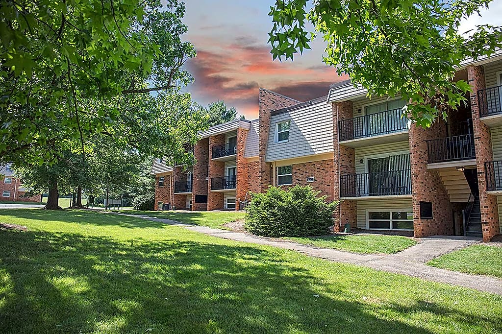 Apartments Near Hollins Sterlingwood Apartments for Hollins University Students in Roanoke, VA