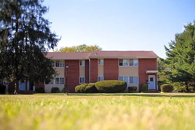 Apartments Near TCNJ Eastgate Apartments for College of New Jersey Students in Ewing, NJ
