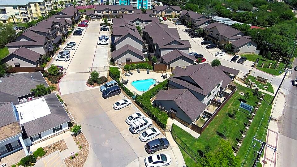 Apartments Near Texas A&M Sierra Condos for Texas A&M University Students in College Station, TX