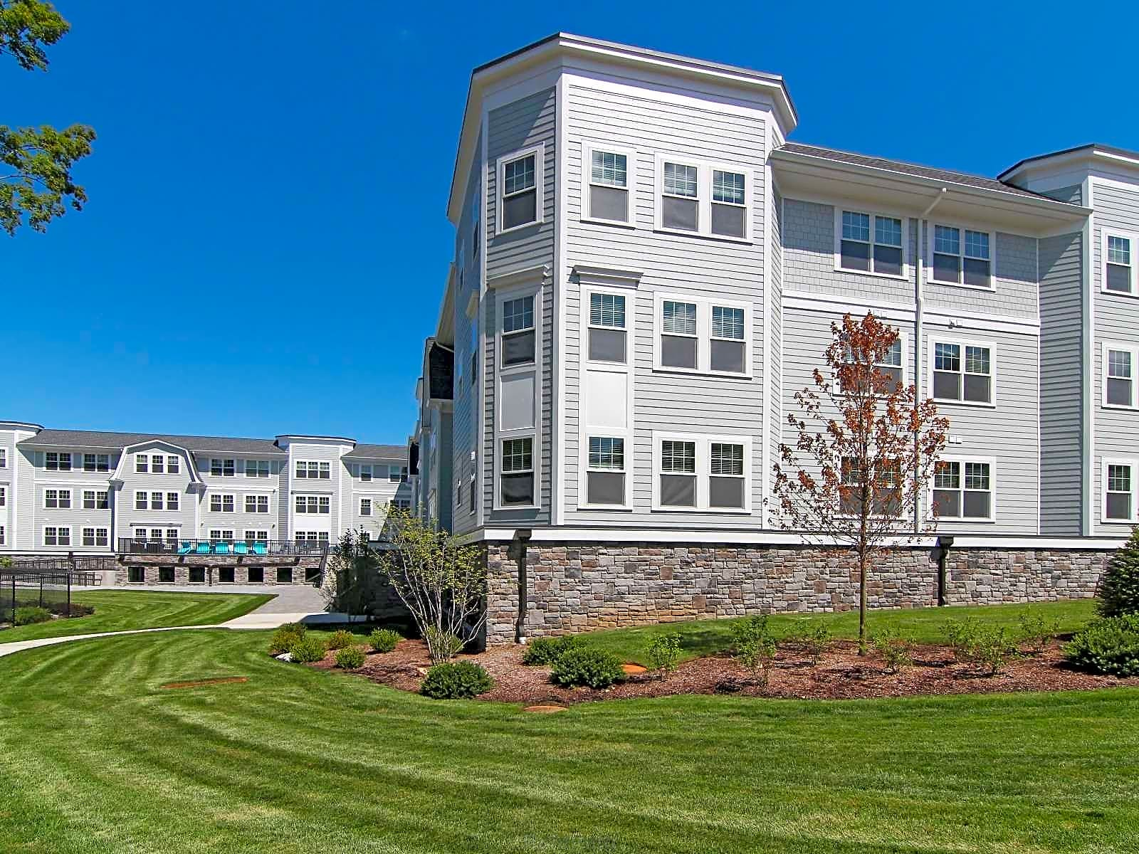 Colonial Pointe Apartments In Franklin Lakes Nj