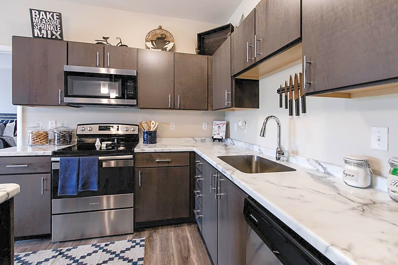 Apartments Near RMU Park West 205 for Robert Morris University Students in Moon Township, PA