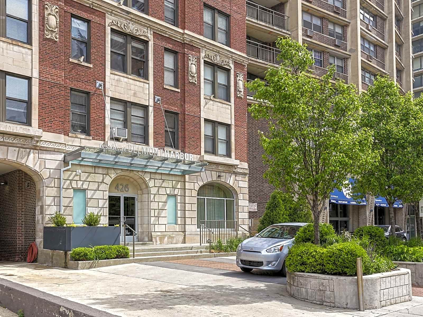 Reside At Belmont Harbor Apartments Chicago Il 60657