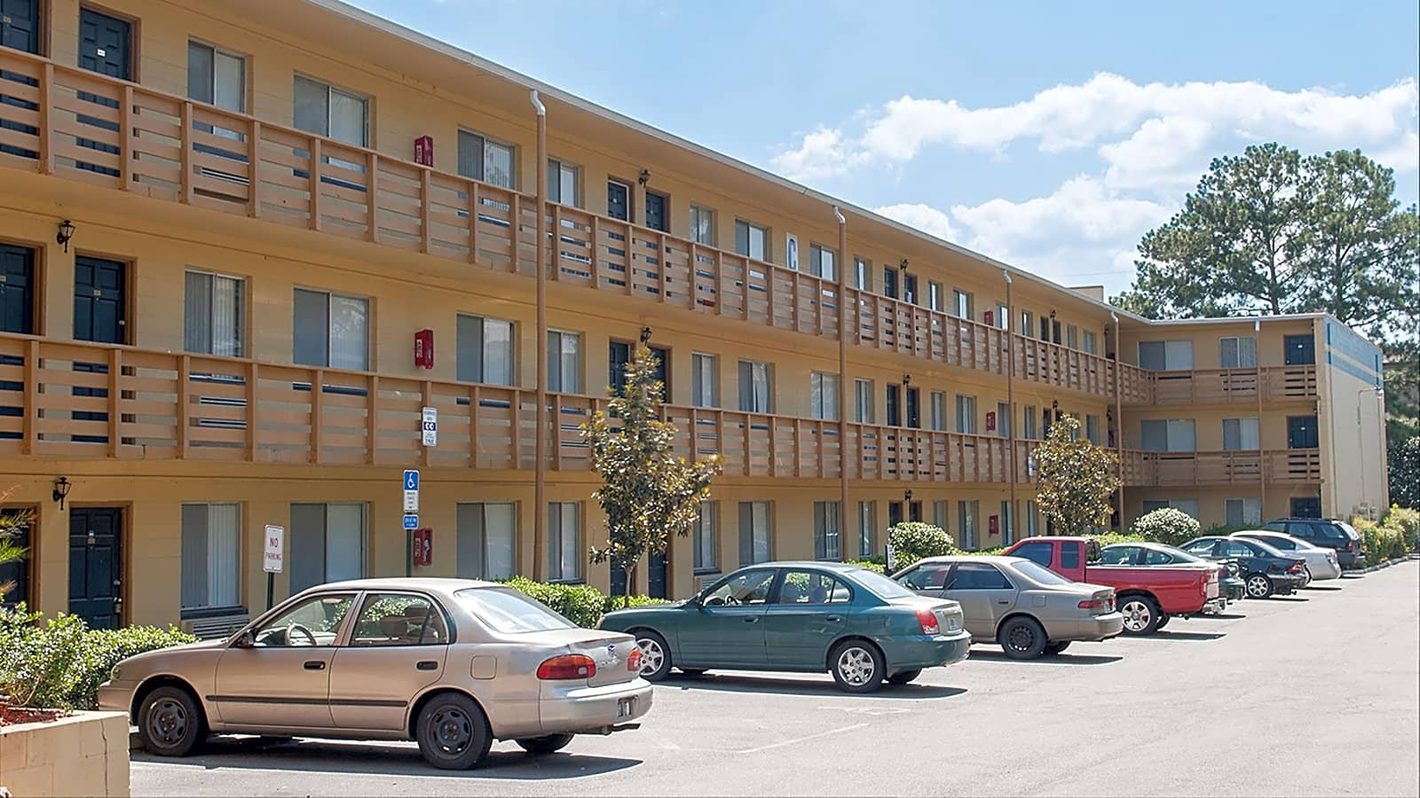 Apartments Near FSU Campus Walk - Per Bed Lease for Florida State University Students in Tallahassee, FL