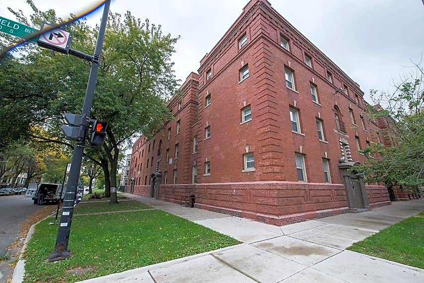 Apartments Near City Colleges of Chicago-Richard J Daley College 5504 S Wabash Avenue for City Colleges of Chicago-Richard J Daley College Students in Chicago, IL