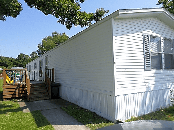 3 bedroom, 2 bath home available