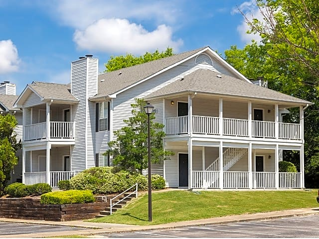 Apartments Near Auburn Montgomery Arbor Station for Auburn University at Montgomery Students in Auburn, AL