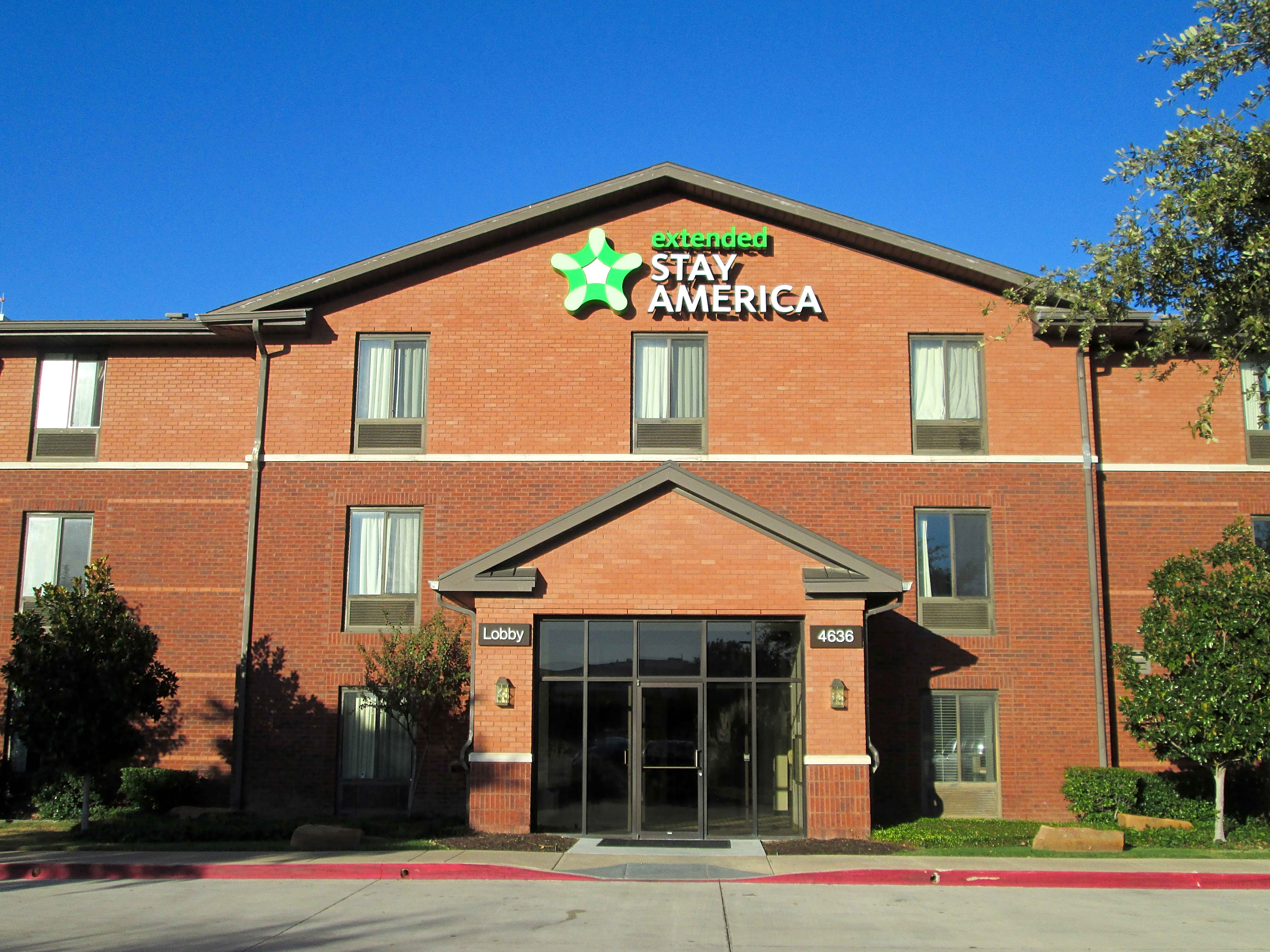Apartments Near UT Dallas Furnished Studio - Dallas - Plano Parkway - Medical Center for University of Texas at Dallas Students in Richardson, TX