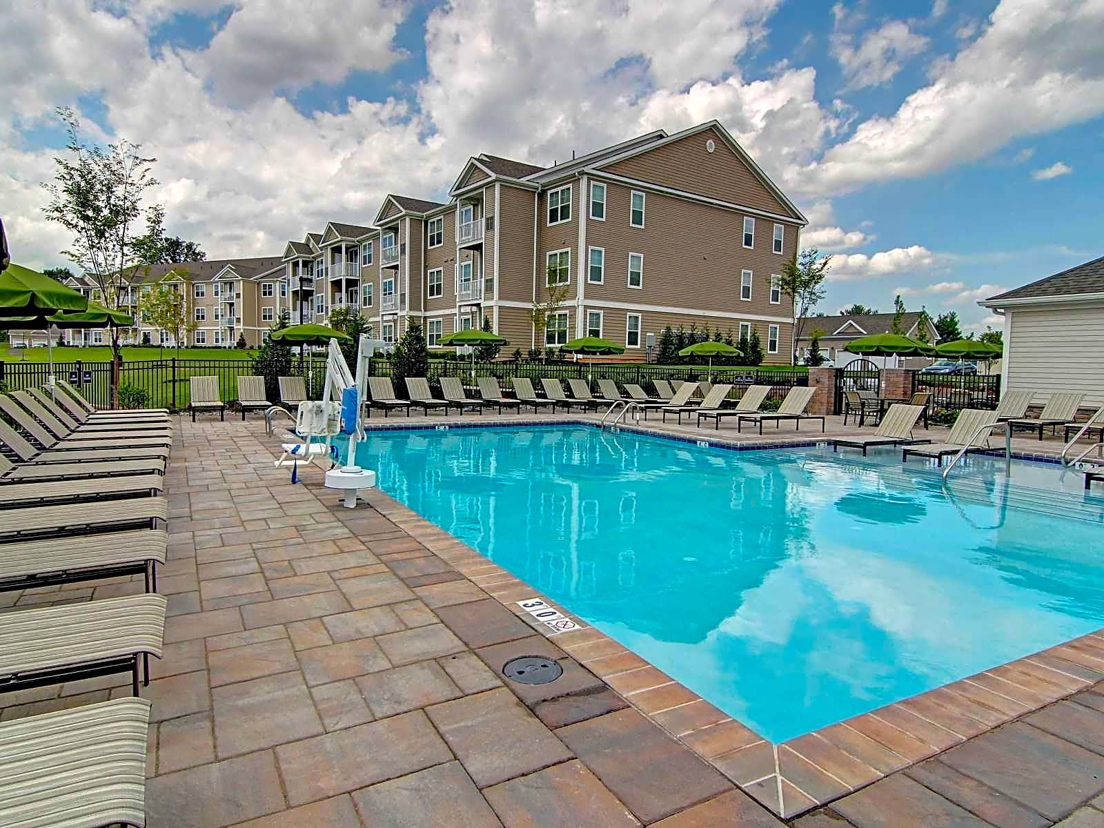Apartments Near Muhlenberg Woodmont Ridge for Muhlenberg College Students in Allentown, PA