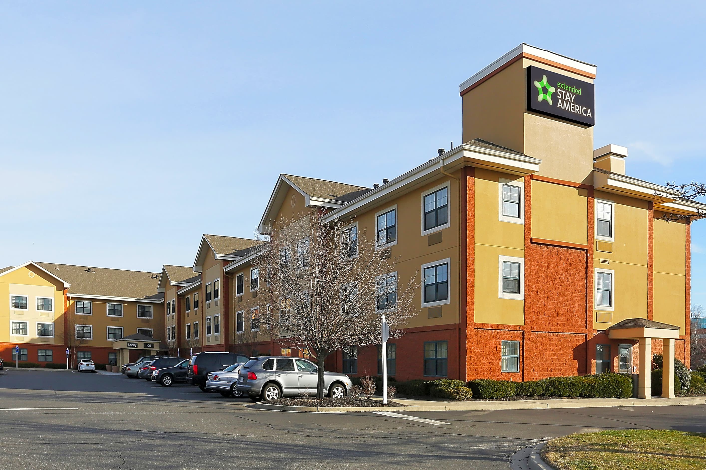 Apartments Near Dowling Furnished Studio - Long Island - Melville for Dowling College Students in Oakdale, NY