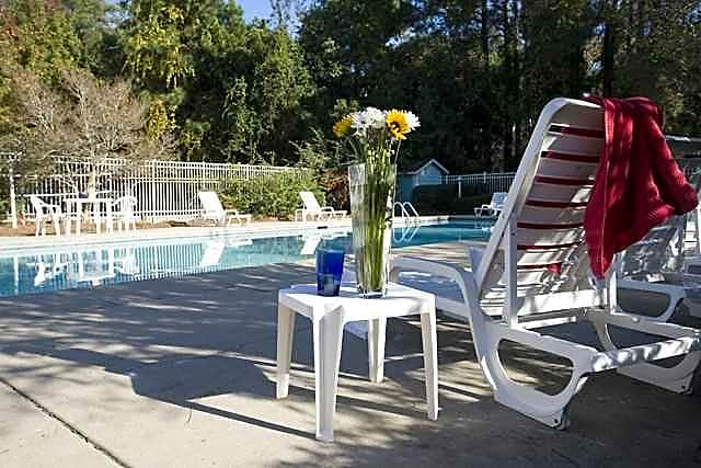 Photo: Daphne Apartment for Rent - $745.00 / month; 1 Bd & 1 Ba