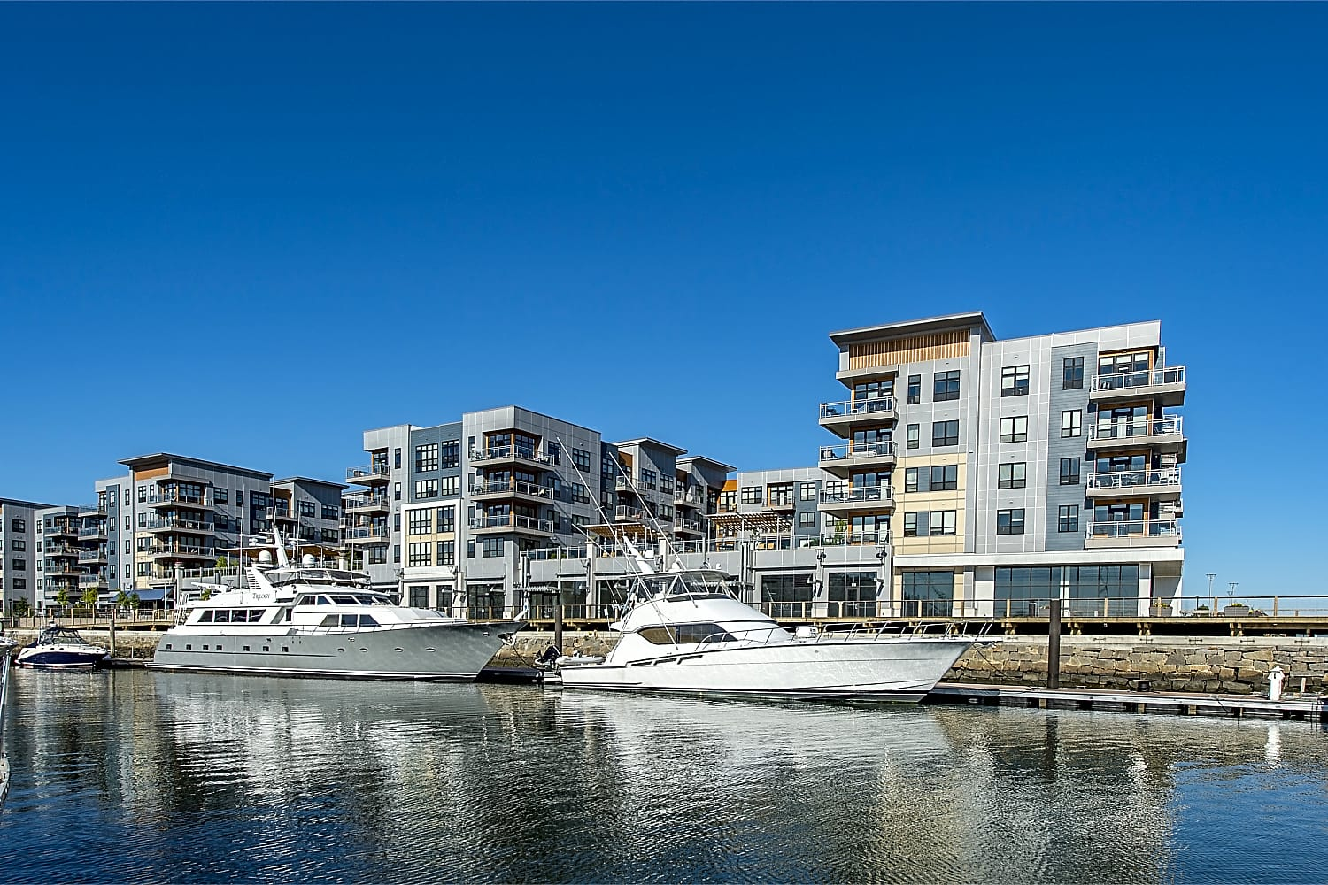 Apartments Near ENC Meriel Marina Bay for Eastern Nazarene College Students in Quincy, MA