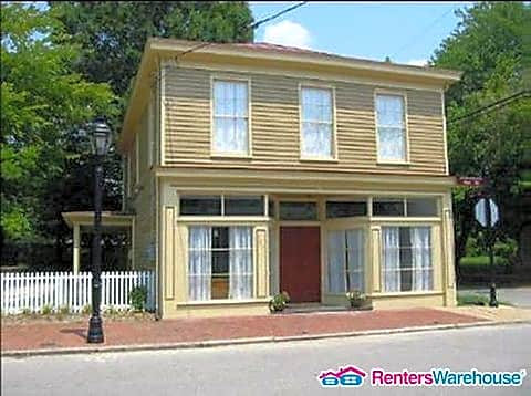 House for Rent in Petersburg