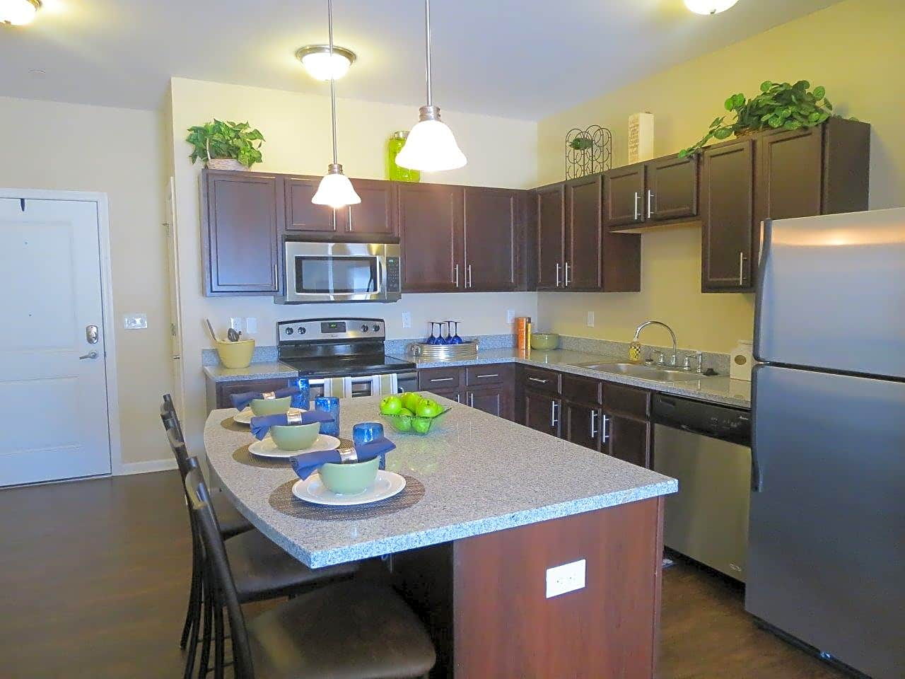 Apartments Near Seton Hill Marquis Place for Seton Hill University Students in Greensburg, PA