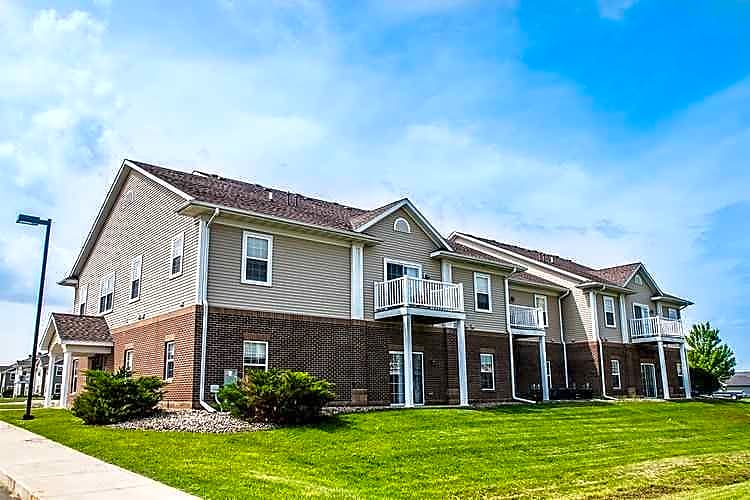 Apartments Near PCI Academy-Ames Fountain View for PCI Academy-Ames Students in Ames, IA