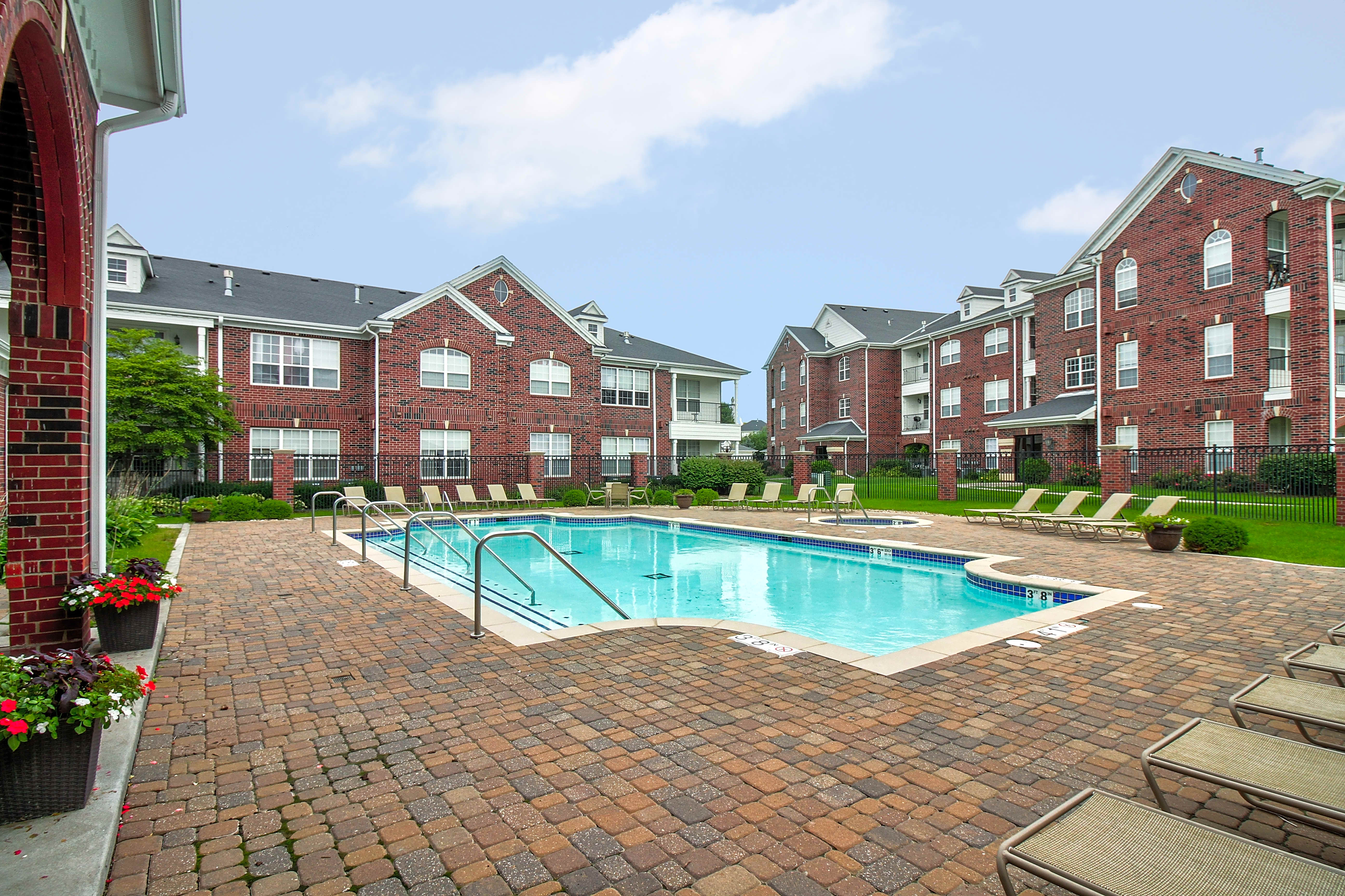 Apartments Near University of Nebraska Rockledge Oaks for University of Nebraska - Lincoln Students in Lincoln, NE