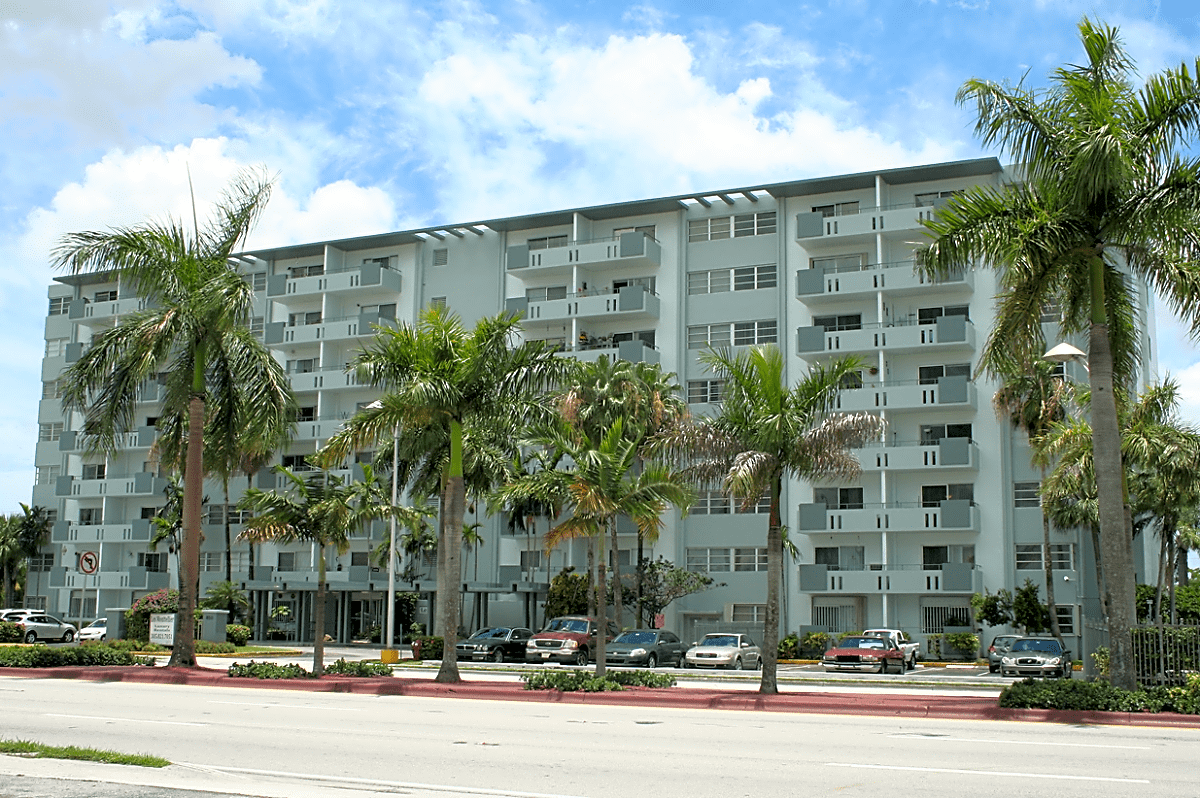 Photo: Hialeah Apartment for Rent - $1100.00 / month; 1 Bd & 1 Ba