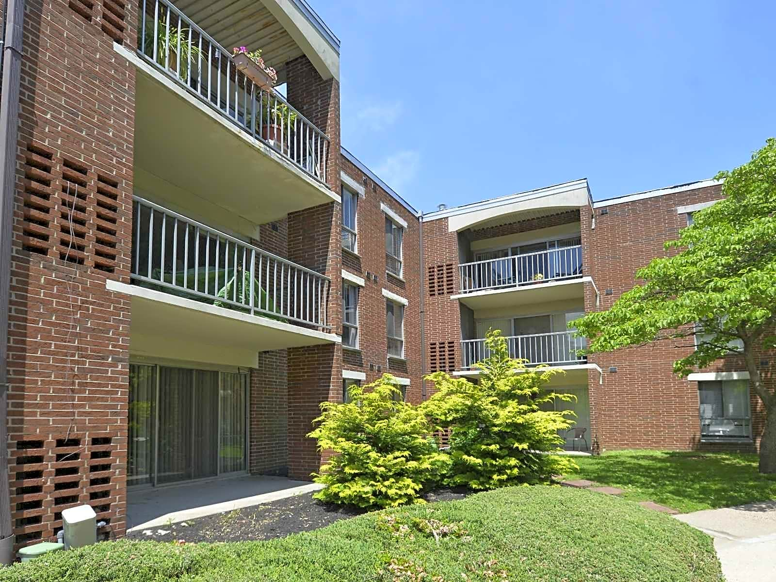 Apartments Near PCOM Greenbriar Club for Philadelphia College of Osteopathic Medicine Students in Philadelphia, PA