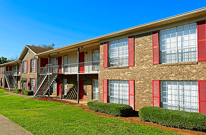 Apartments Near Miles Chateau Glen Oaks for Miles College Students in Fairfield, AL