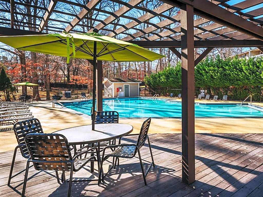 Apartments Near Guilford Madison Woods for Guilford College Students in Greensboro, NC