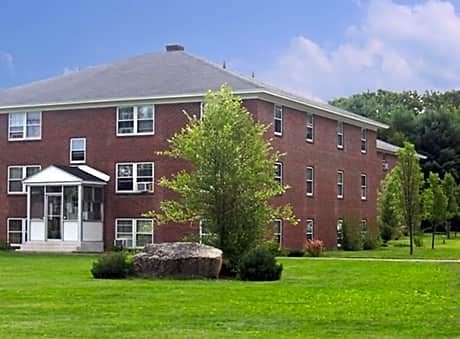 Keewaydin Pines for rent in Laconia