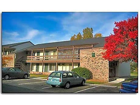 Pine Lake Apartments for rent in Haslett