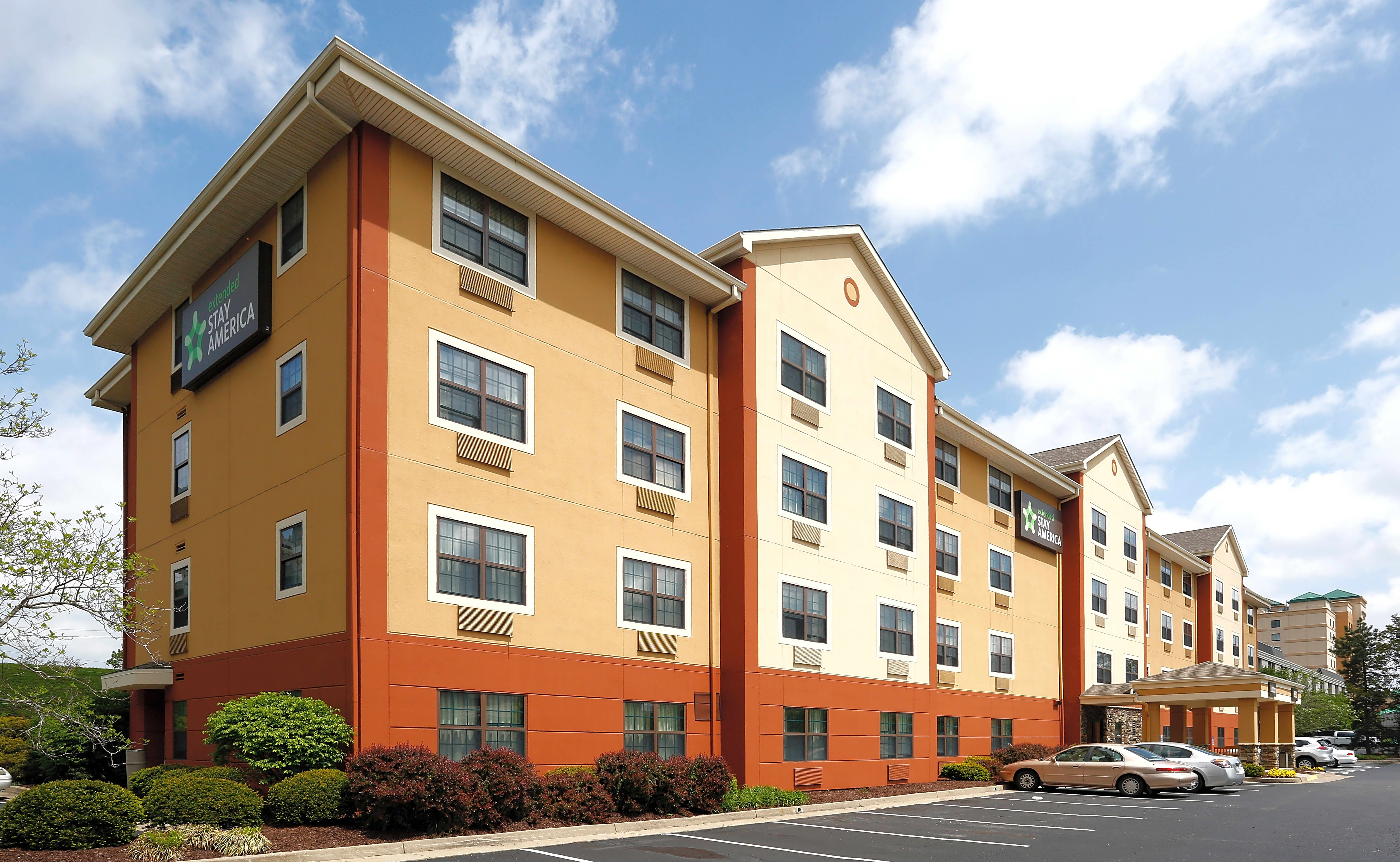 Apartments Near Thomas More Furnished Studio - Cincinnati - Covington for Thomas More College Students in Crestview Hills, KY