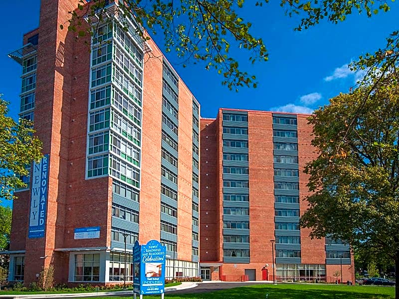 Apartments Near MICA Linden Park - Senior Living 62+ for Maryland Institute College of Art Students in Baltimore, MD
