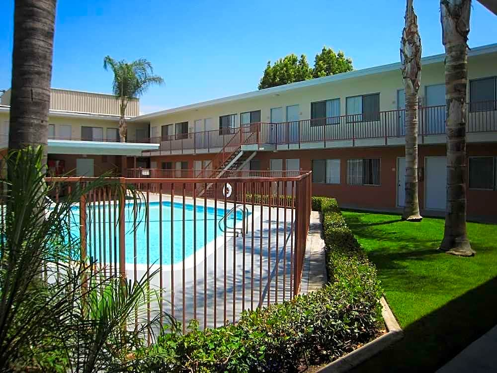 Apartments Near Cal Poly Pomona Mission Suites Apartments for Cal Poly Pomona Students in Pomona, CA