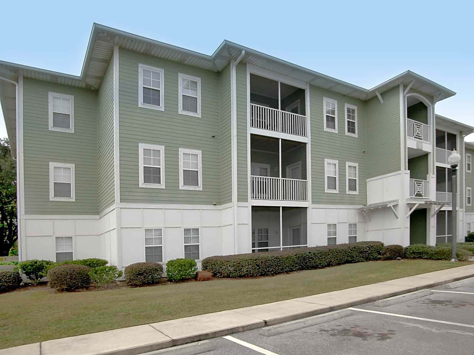 Avalon Apartments for rent in Pensacola