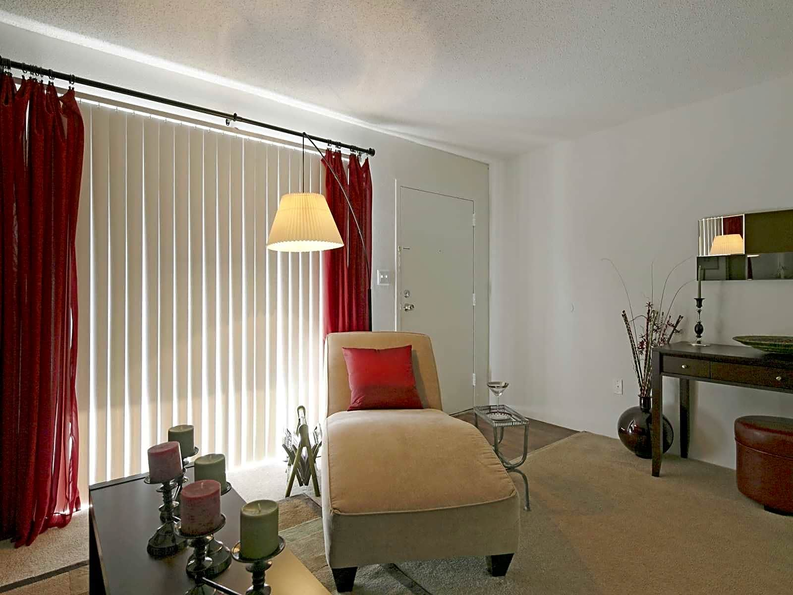 Oasis at Bayside for rent in Largo