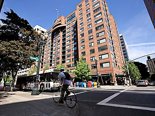 Essex House for rent in Portland