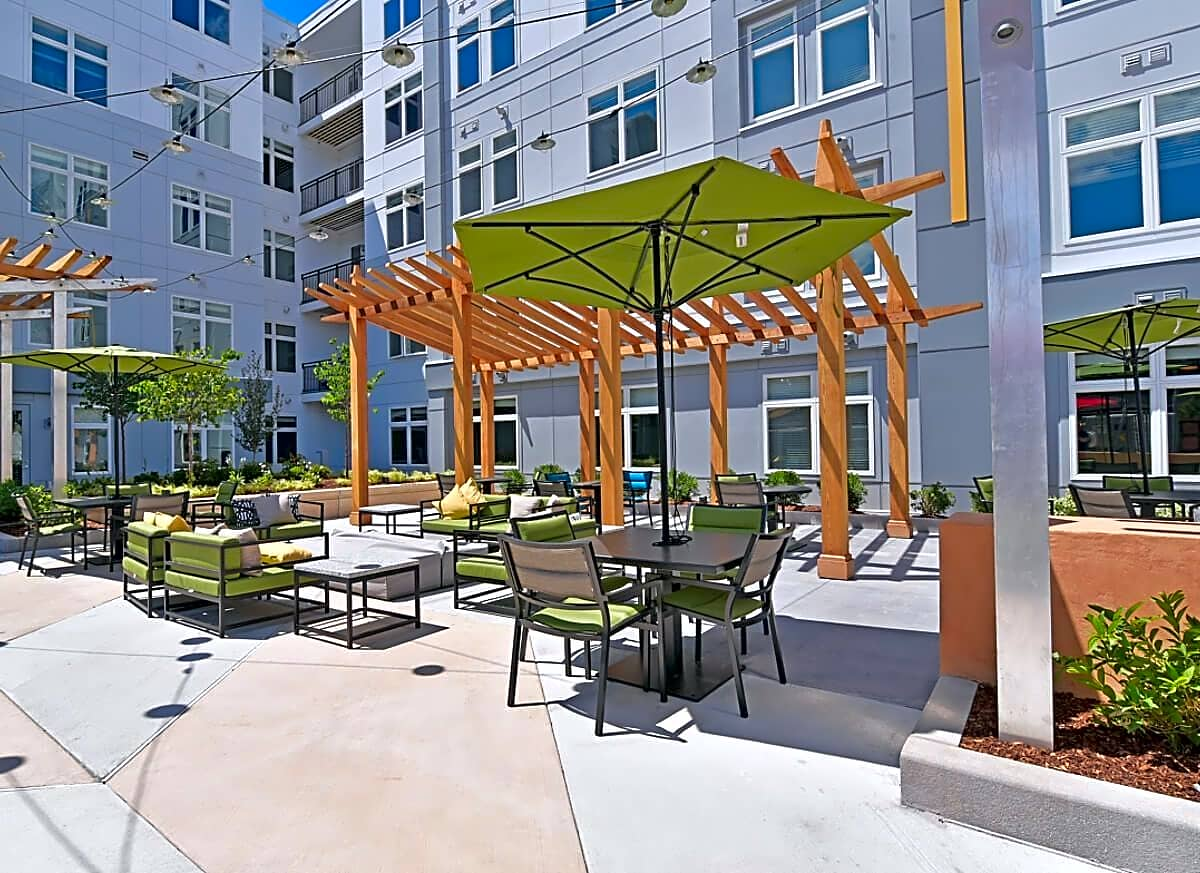 Apartments Near ENC Deco for Eastern Nazarene College Students in Quincy, MA